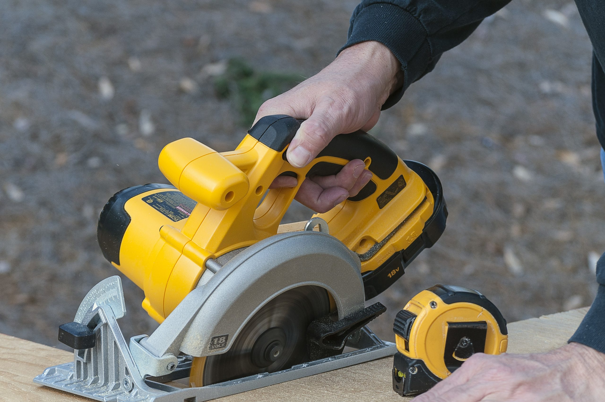 The Best Battery Circular Saw: Shopping Guide and Recommendations (09/21)