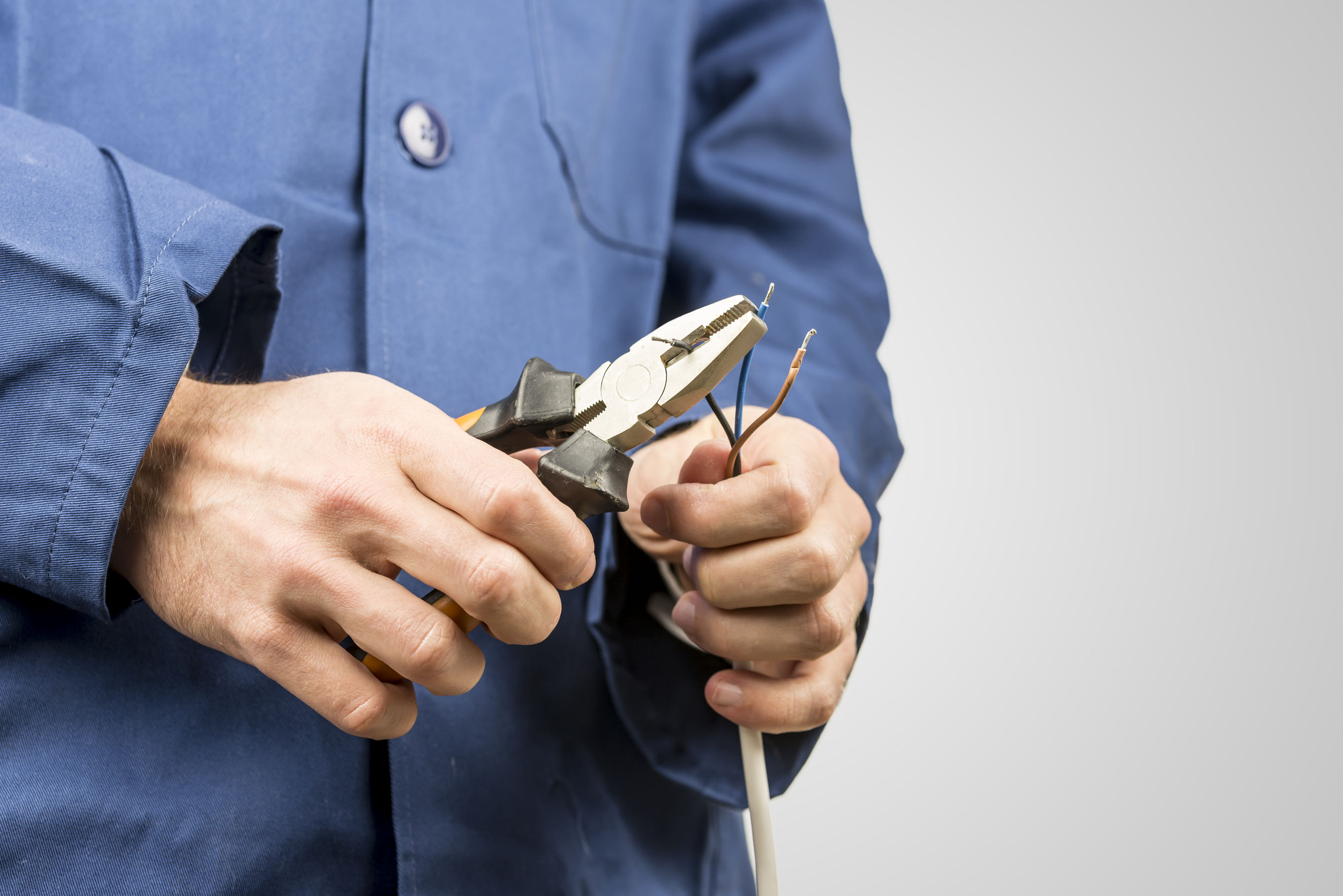 The Best Flat Nose Pliers: Shopping Guide and Recommendations (09/21)