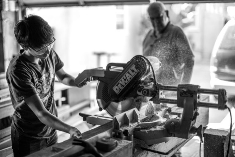 The Best Chop Saw: Shopping Guide and Recommendations (09/21)